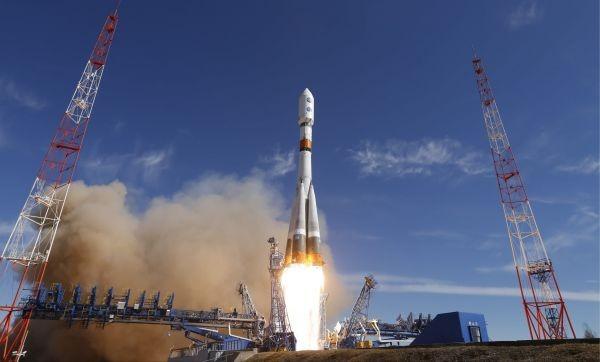 俄航天器跟踪美间谍卫星?美媒:太空或成美俄新战场